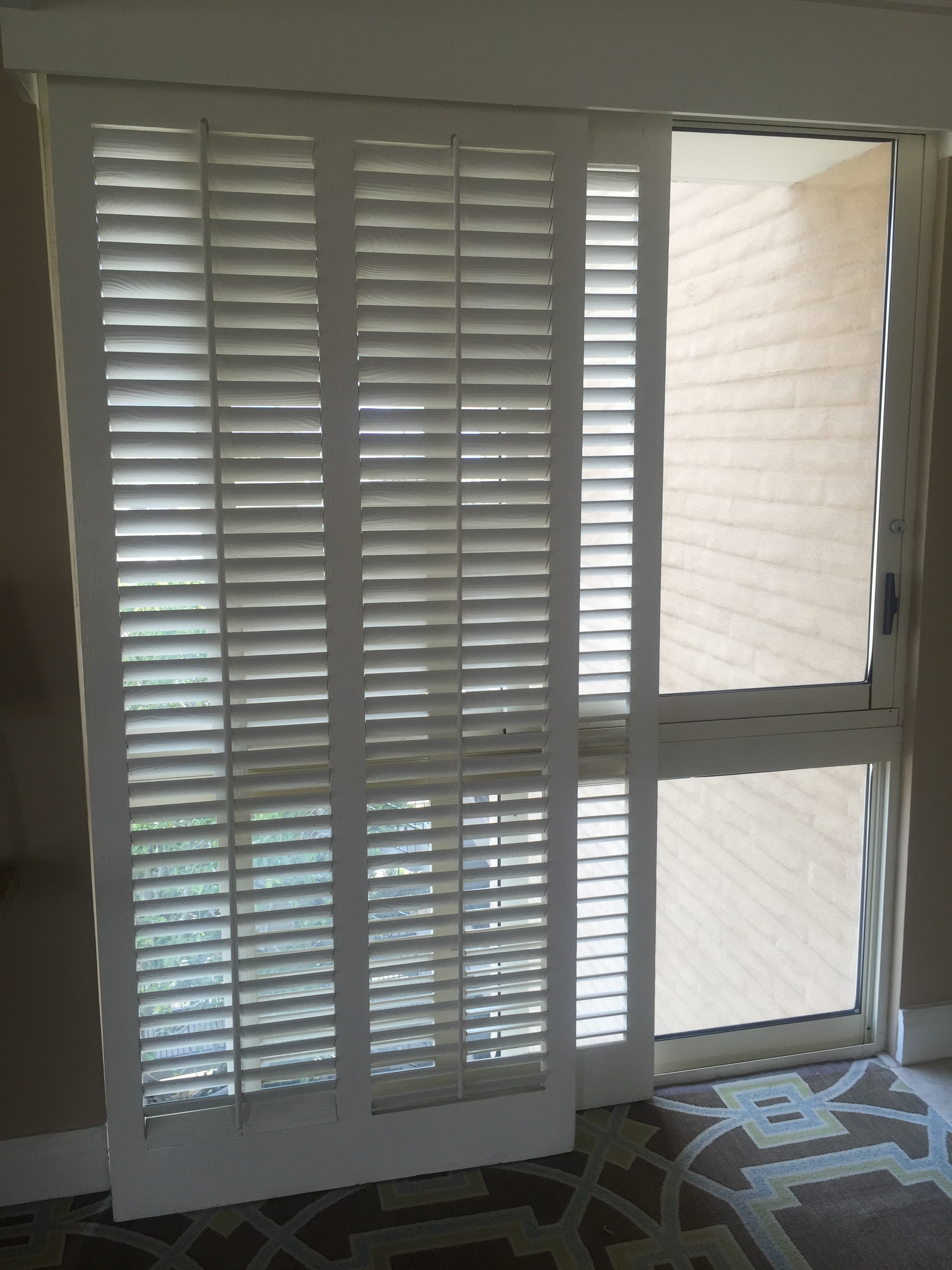 Most People Ociate The Beginnings Of Plantation Shutters With Rise Homes In Deep South Early 1800s