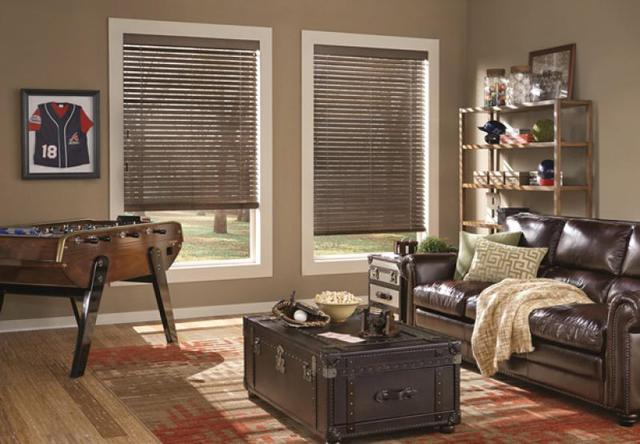Welcome Guests with Wooden Accents Near Birmingham, Alabama (AL), Using Parkland Wood Blinds in Family Rooms